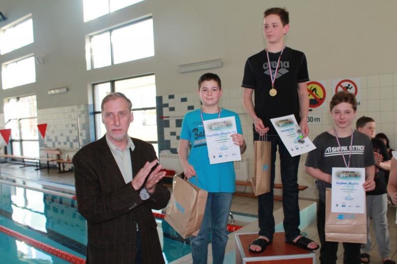 9 medali dla Delfinka