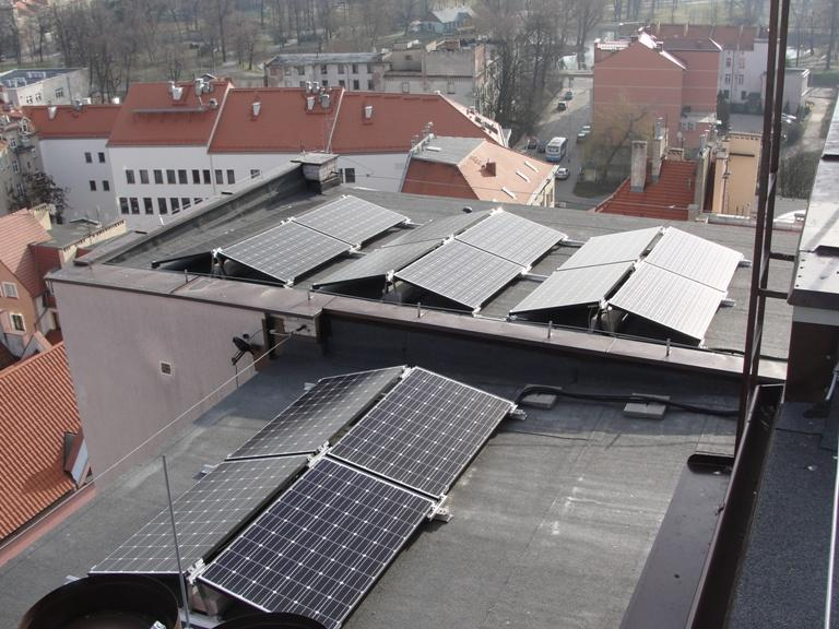 Słoneczne elektrownie na dachach wieżowców wLegnicy