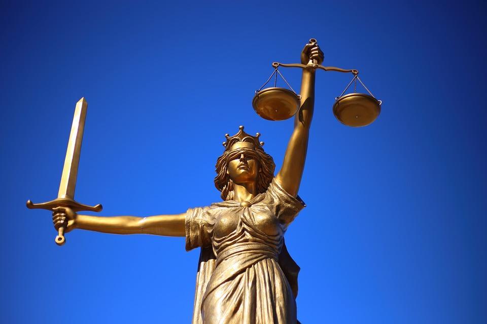 Radca prawny czy adwokat- podobieństwa iróżnice.