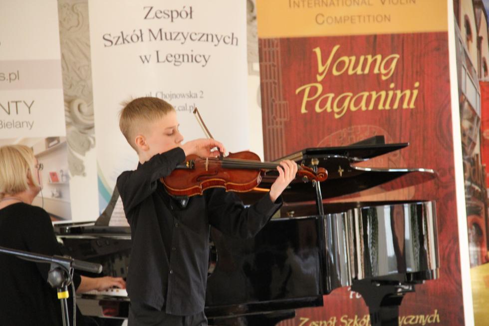 W Legnicy młodzi wirtuozi skrzypiec zmierzą się zsamym Paganinim