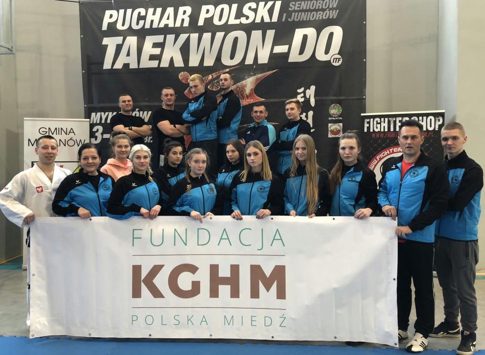 Deszcz medali legnickich taekwondoków wPucharze Polski
