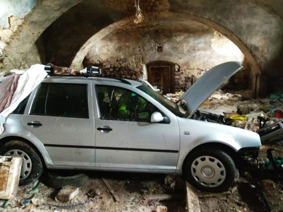 Kradzież samochodu zgarażu