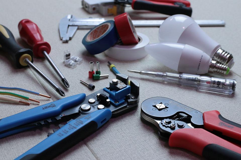 Jak prawidłowo dobrać elektronarzędzia?