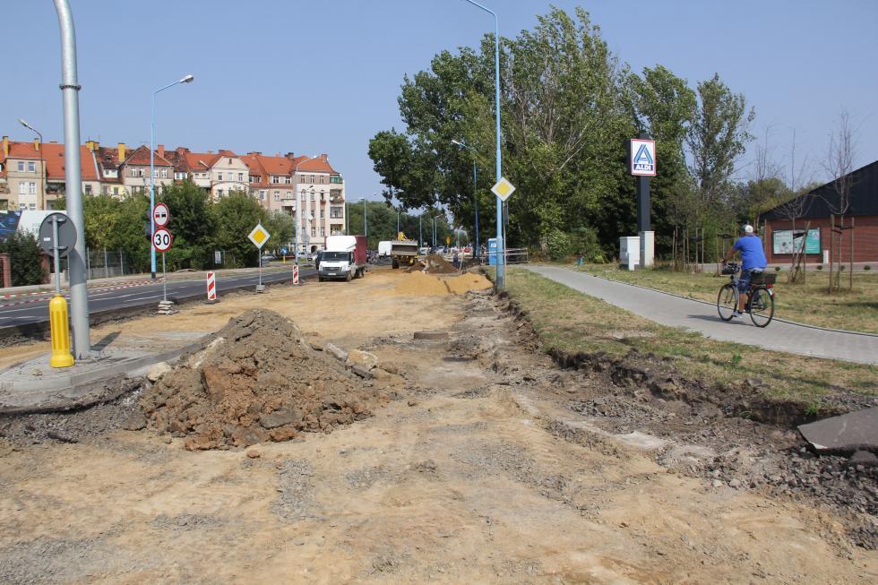 Przebudowa ul. Leszczyńskiej. Trwają prace drogowe