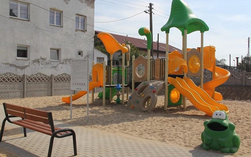 Na Starych Piekarach powstał plac zabaw