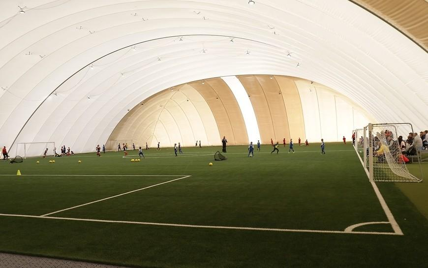 Nowoczesna hala piłkarska powstała na terenie byłego lotniska