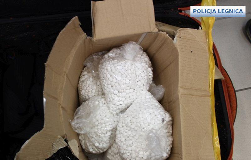 zabezpieczyli 29 tysięcy tabletek służących doprodukcji narkotyków