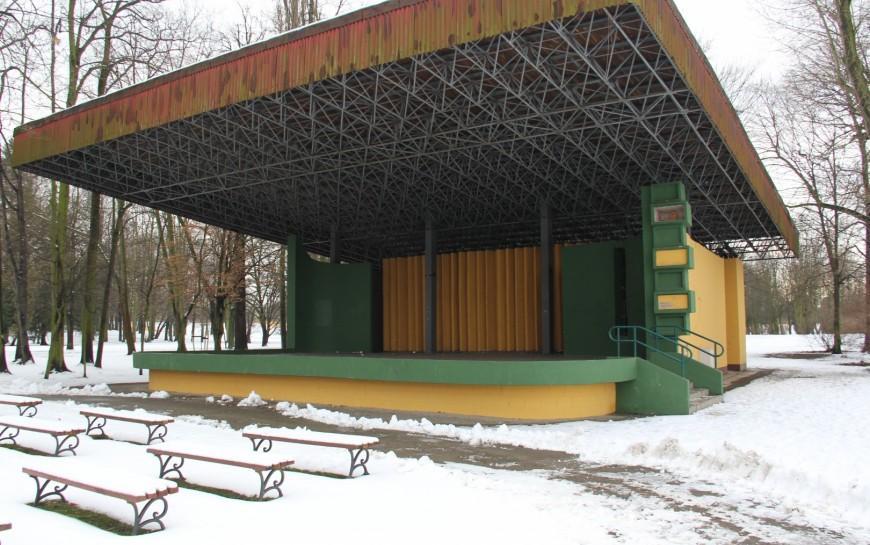 Dewastacja muszli koncertowej wparku Miejskim