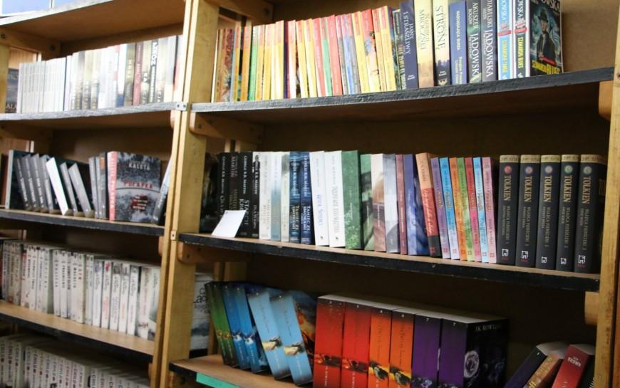 Tysiące złotych na zakupy nowych książek doszkolnych bibliotek