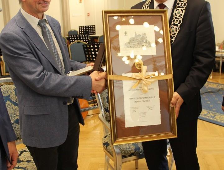 Wojciech Kowalik Honorowym Obywatelem Legnicy