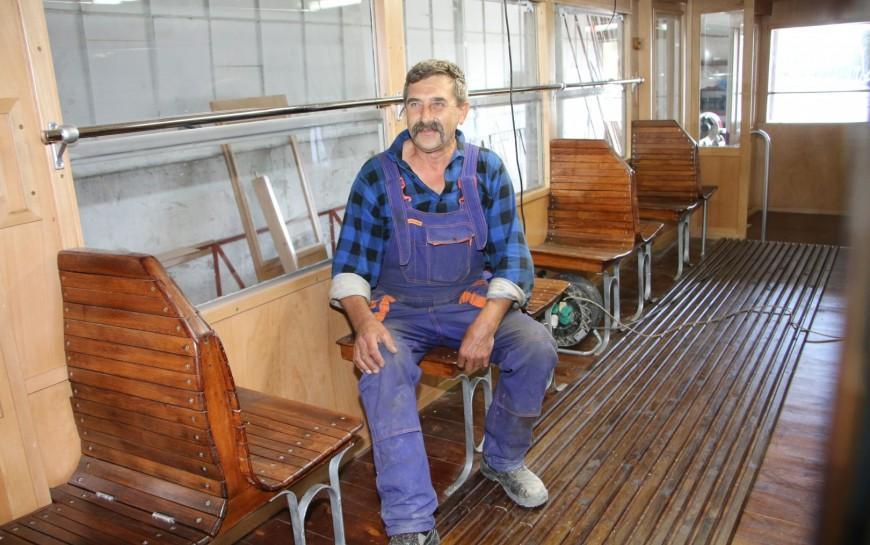 Historyczny legnicki tramwaj powraca doświetności