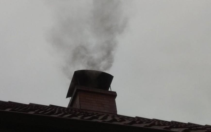 Strażnicy miejscy już kontrolują, czym palimy wpiecach