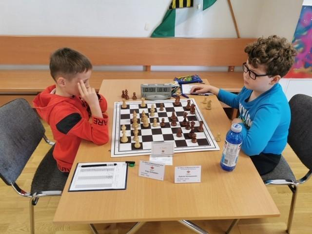 Świetne występy młodych legnickich szachistów
