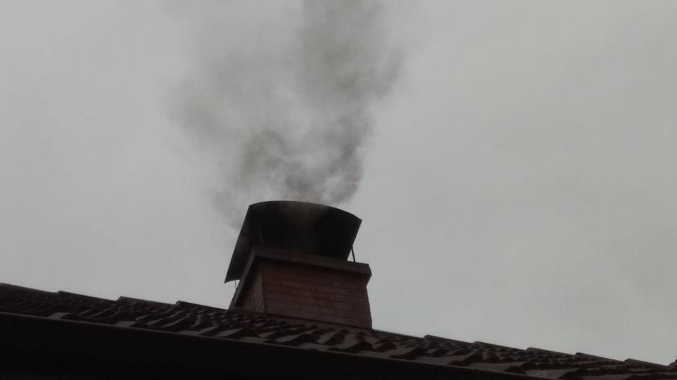Legnica walczy ze smogiem. Mieszkańcy likwidują kopciuchy