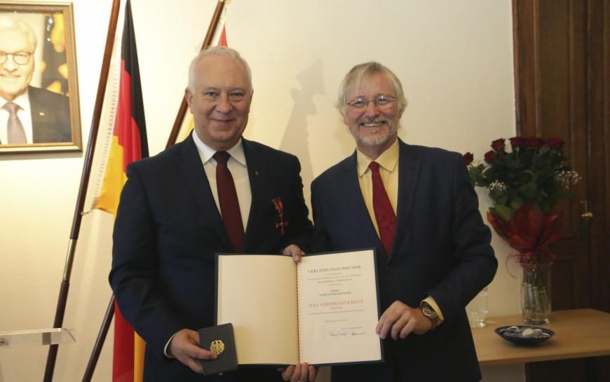 Tadeusz Krzakowski odznaczony Krzyżem Zasługi RFN