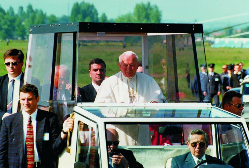 2 kwietnia 2005, godzina 21.37 – pamiętamy. 15. rocznica śmierci św. Jana Pawła II