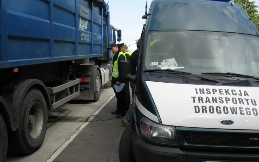 Kontrole samochodów ciężarowych wLegnicy. Mnóstwo mandatów