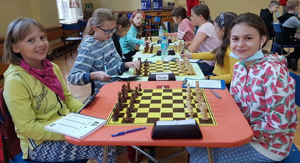 Dwa  złote medale szachistów