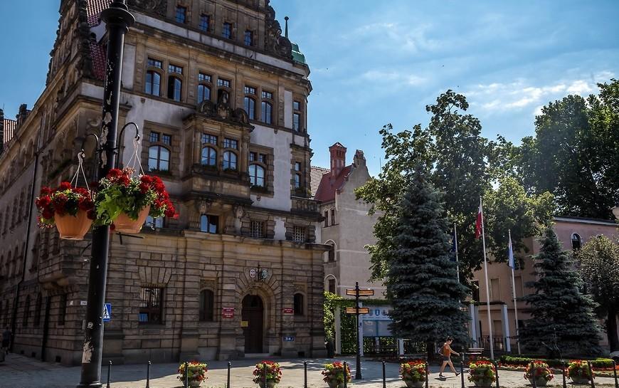 Jak pracuje iobsługuje mieszkańców Urząd Miasta Legnicy