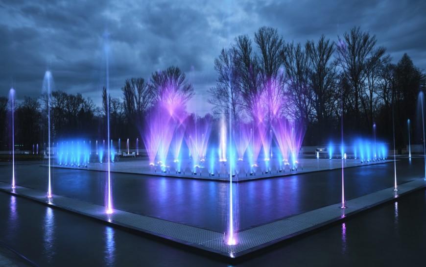 Pokazy legnickich fontann